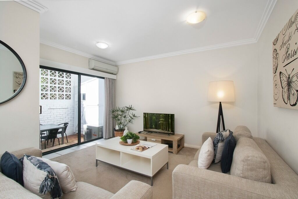 Pine Court Apartments, Manly