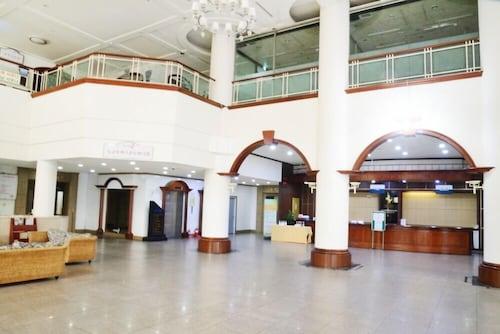 Dogo Tovice Condominium, Asan