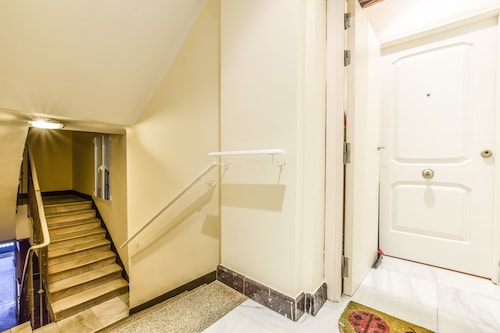 Room to Rent Augusto Figueroa, Madrid