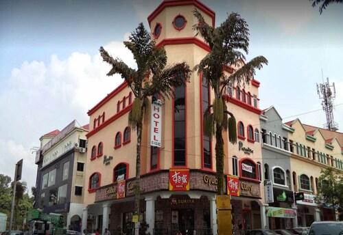 Paradise Hotel Kota Damansara, Kuala Lumpur