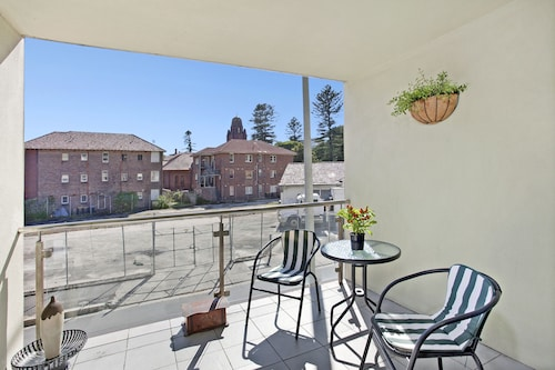 Gilbert Apartments, Manly
