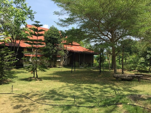 Baansuanleelawadee, Amphawa