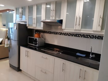 2 BEDROOM LUXURY LOFTS Private Kitchenette