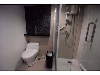 2 BEDROOM LUXURY LOFTS Bathroom