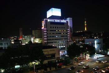 クリスタル ホテル (Crystal Hotel)