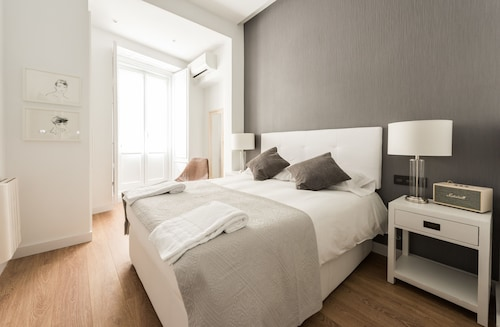 Chueca Exclusive - MADflats Collection, Madrid