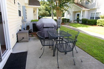 Fairway Oaks Townhouse 43B by RedAwning