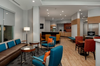 Lobby Lounge at TownePlace Suites Fort Worth University Area/Medical Center in Fort Worth