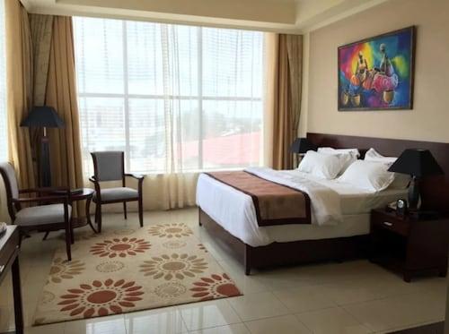 . Royal Grand Hotel