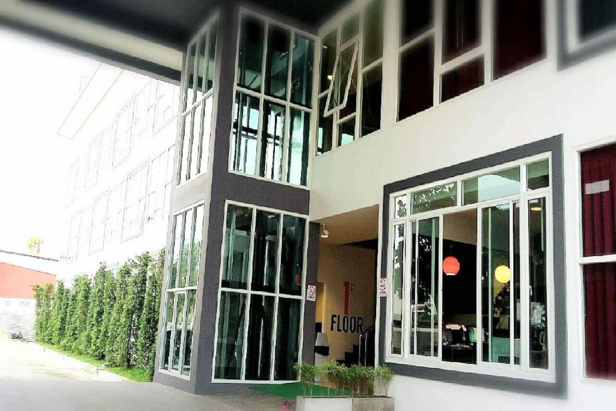 The Zell Budget Hotel Buriam, Muang Buri Ram