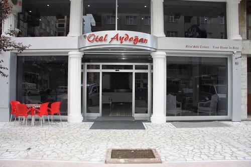 Aydogan Otel, Merkez