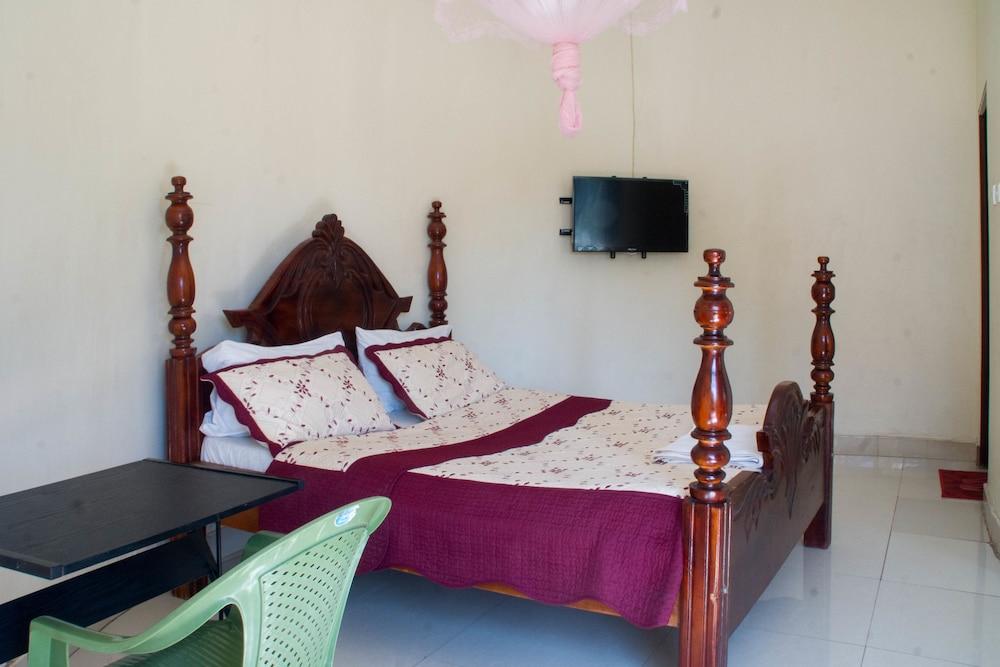 Marphie Hotel Rukungiri, Bufumbira