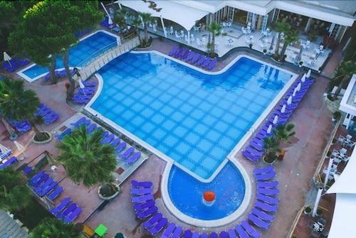 Fafa Hotel, Kavajës