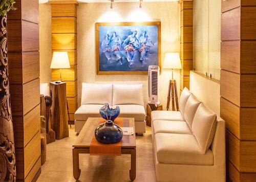 __{offers.Best_flights}__ Sangai Continental The Boutique Hotel