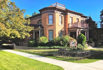 Hotel - Ellerbeck Mansion Bed & Breakfast
