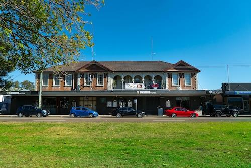 Swansea Hotel, Lake Macquarie  - North
