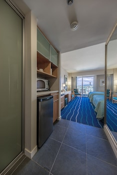 Standard Studio, 1 King Bed, Accessible, City View (No Resort Fee  19751616)