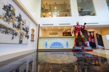 HEROES HOTEL Lobby