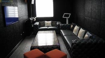 LE CHARMÉ SUITES Karaoke Room