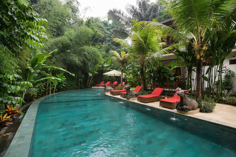 Desak Putu Putera Cottages