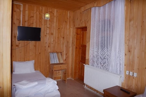 Ugur Motel, Çaykara