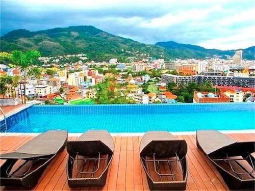 . Bliss Patong Modern 1 bedroom Apartment