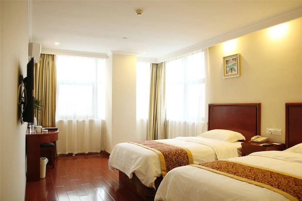 GreenTree Inn YanCheng BinHai OuBaoLiYa City Square Hotle