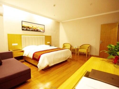 GreenTree Inn Yancheng Dongtai Huiyang Road Guofu Hotel, Yancheng