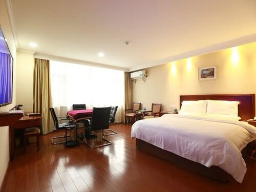 . GreenTree Inn ChiZhou PingTian Lake QingFeng Avenue Hotel