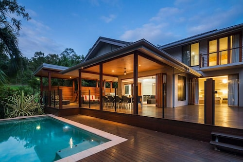 Trito Oceans Edge Luxury House, Cairns - Northern Suburbs