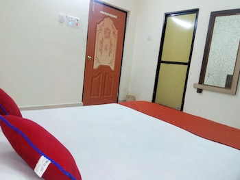 Deluxe Room, 1 Double Bed, City View