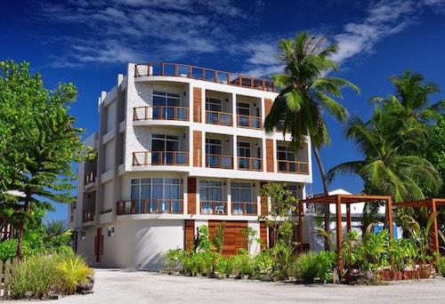 Velana Blu, Kepulauan Maafushi