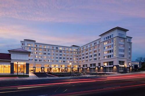. Hotel Madison & Shenandoah Conference Ctr