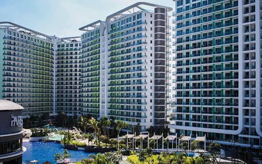 Positano Tower Azure Beach Resort