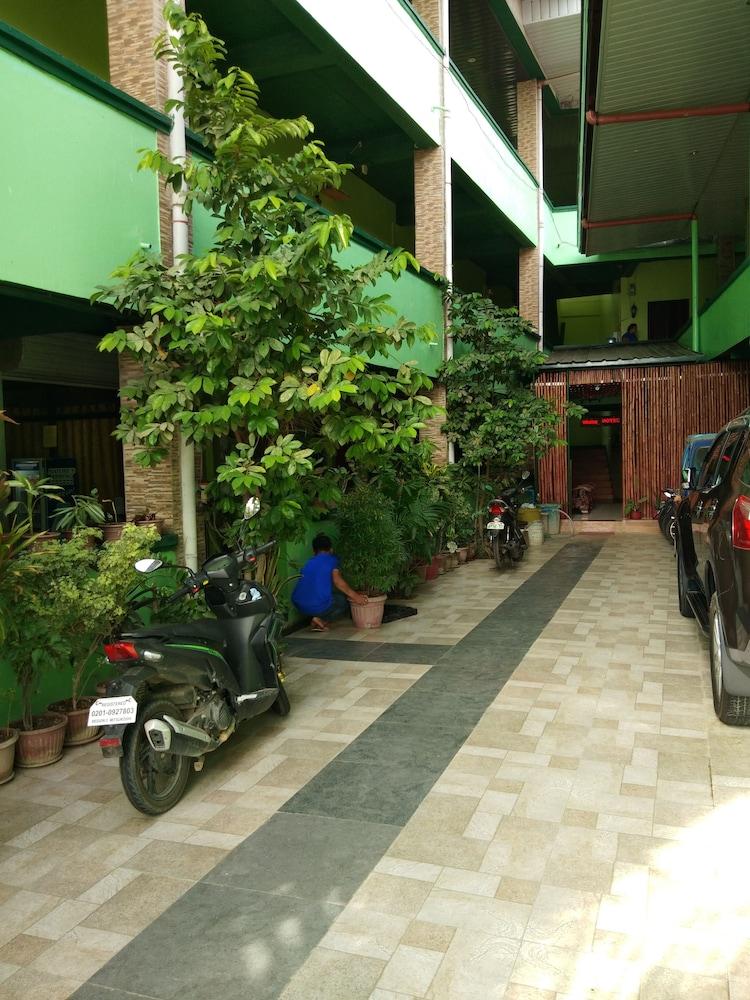 AOSMEC スクエア ホテル