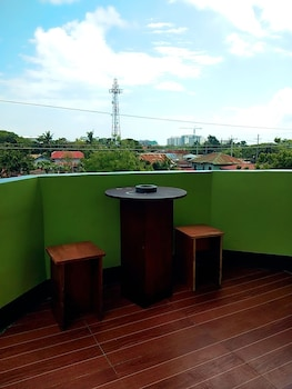AOSMEC SQUARE HOTEL Terrace/Patio