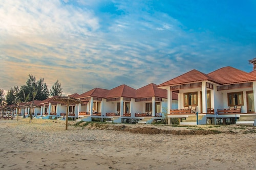 . Ngapali Paradise Hotel