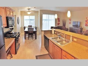 Downtown Luxury Condo at Citifront photo