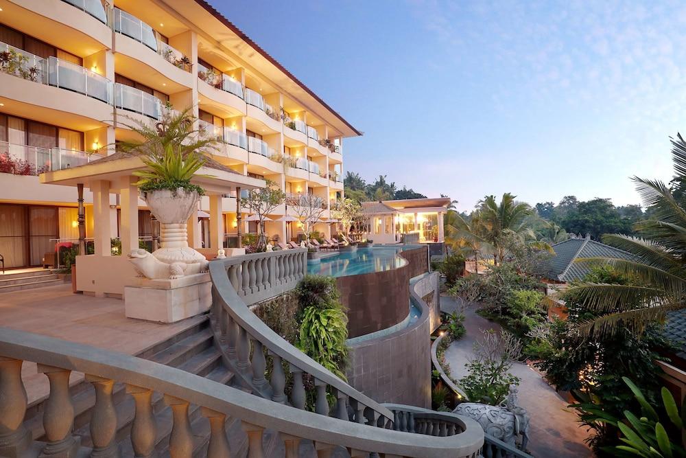 SereS Springs Resort & Spa Singakerta