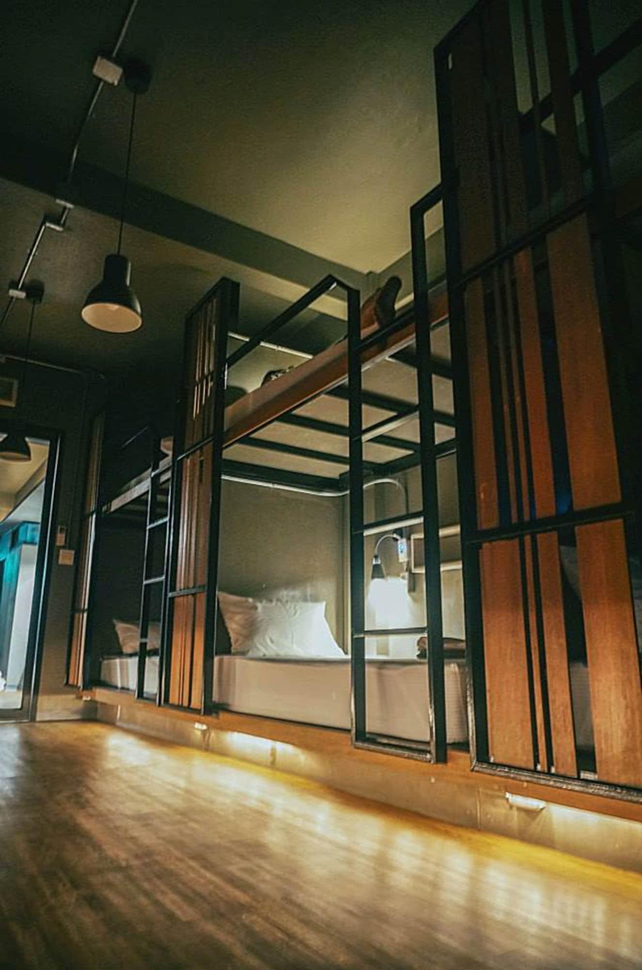 Cloudy Hostel, Ratchathewi