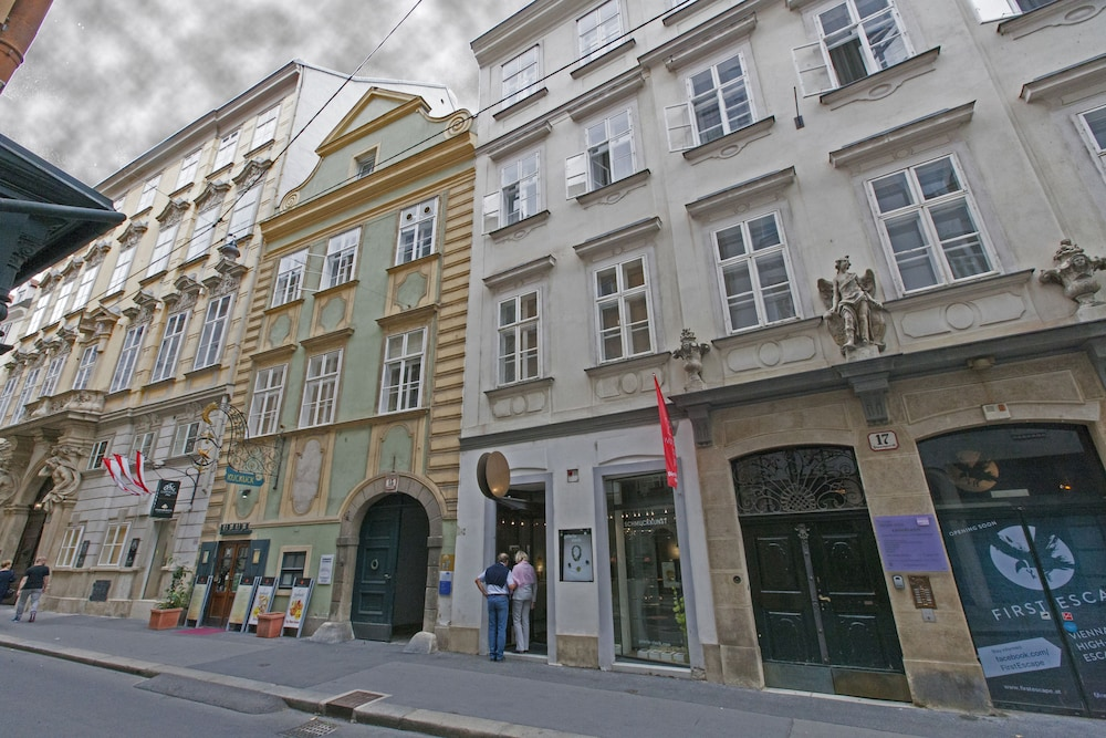 Heart of Vienna Home