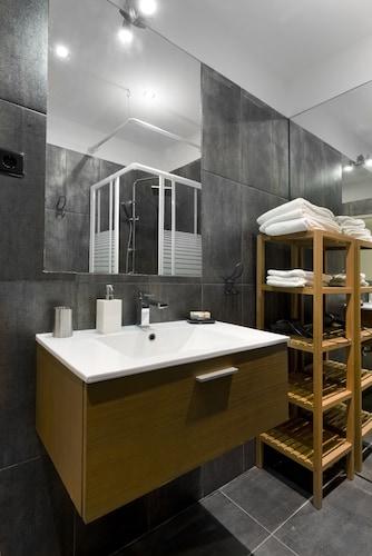 Prime Apartments White and Yellow, Cascais