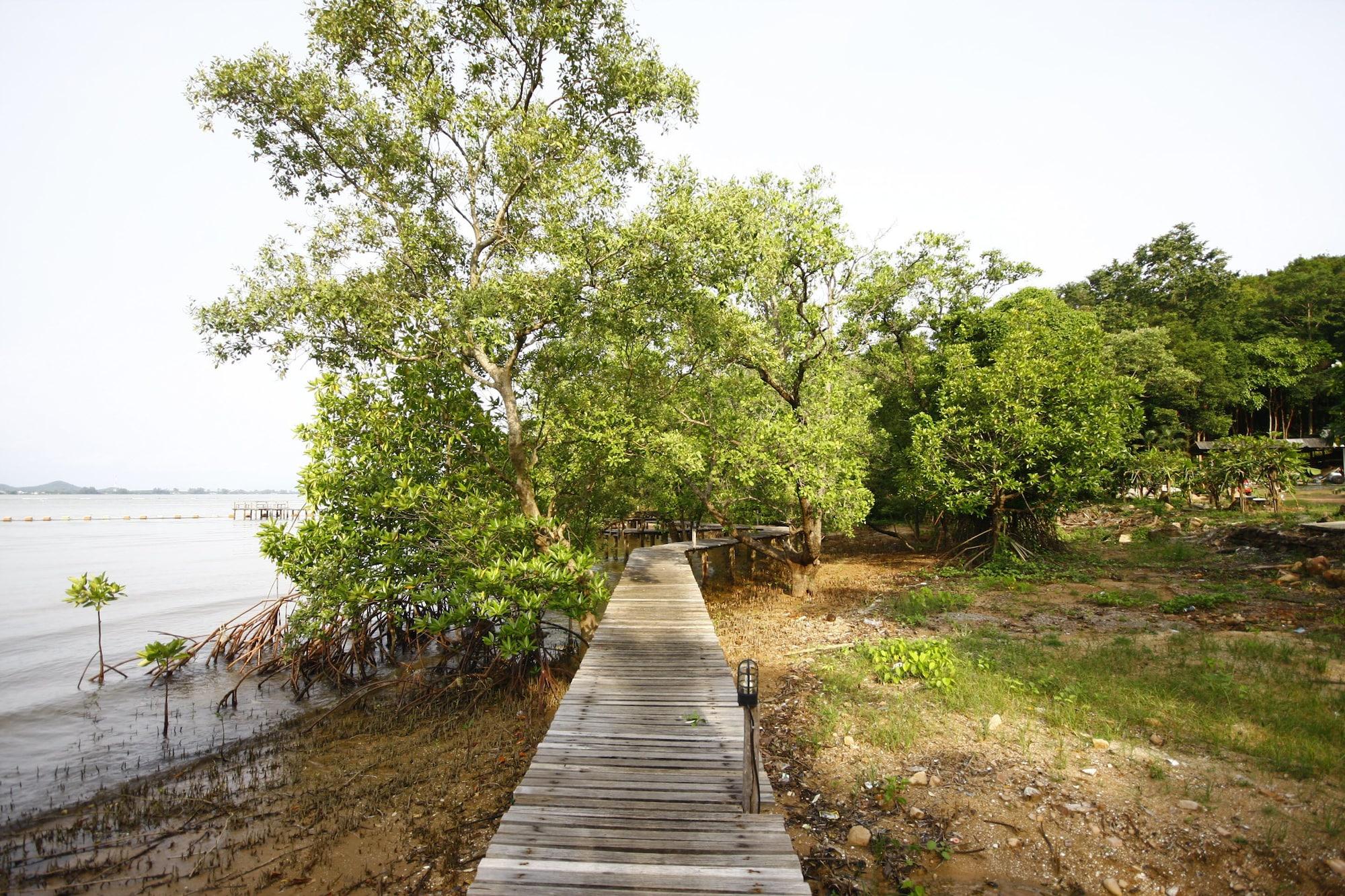 Seashell Village Resort, Tha Mai