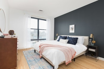 Distinctive 2BR in Seaport by Sonder