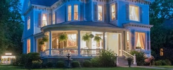 Hotel - Blessings on State Bed & Breakfast