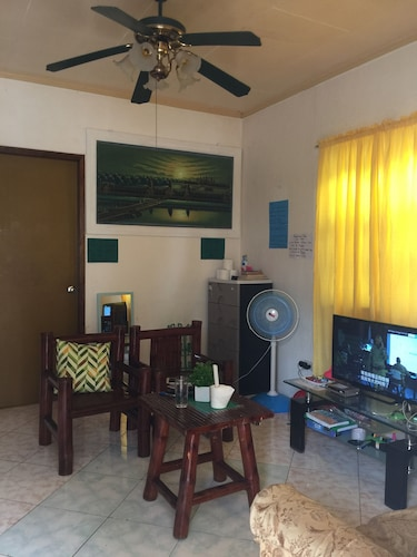 J & C Guesthouse, Moalboal