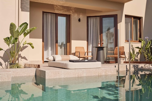 . Asterion Suites & Spa