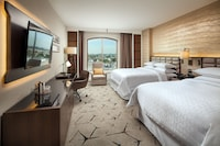 Club Room, 2 Queen Beds, Business Lounge Access