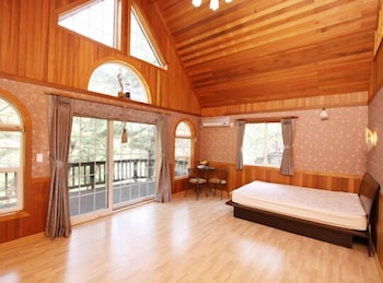 クァンジュ ホアム ヴィラ ペンション (Wangju Hoam Villa Pension)