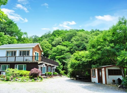 Yeosu Blue Sky Galaxy Pension, Yeoju